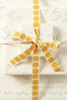 Caroler Wrapping Paper http://rstyle.me/~19rop