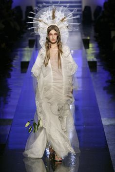 Jean Paul Gaultier 장 폴 고티에 : Spring/Summer 2007 Haute Couture Paris : 네이버 블로그 Haute Couture Paris, Couture Fashion, Runway Fashion, Jean Paul Gaultier, Paul Gaultier Spring, Gothic Fashion, Trendy Fashion, High Fashion, Fashion Women