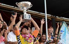 É campeão! Fanning cai, e Medina conquista o histórico título mundial #globoesporte
