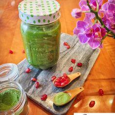 #Repost @aylove_food So schön grün ist dieser Smoothie! Mega Farbe! #smoothie #smoothiepursuits #greensmoothie #green #gogreen #detox #detoxsmoothie #grün #grünersmoothie #gesund #healthy #healthyliving #fitfam #fitfood #fitfoodie #foodie #breakfast #frühstück #vegan #smoothietuesday #tuesday #zurich #yum #lecker