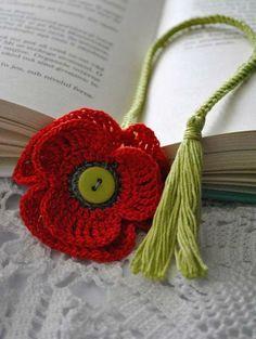 Marque-pages Au Crochet, Crochet Books, Crochet Gifts, Beaded Bookmarks, Crochet Bookmarks, Crochet Leaves, Crochet Flowers, Crochet Classes, Crochet Projects