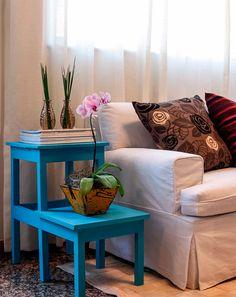 mesa lateral azul