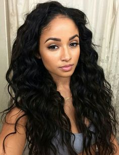 Long black hair - Natural curls - Makeup