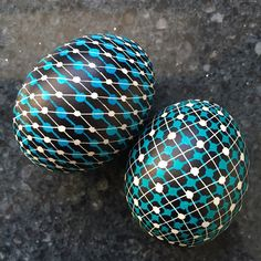 The colorful art of decorating EASTER EGGS, or PYSANKY, has been a Ukrainian tradition for over ten centuries. Growing up Ukrainian meant that Easter would Egg Crafts, Easter Crafts, Crafts For Kids, Easter Ideas, Dot Painting, Painting Patterns, Carved Eggs, Ukrainian Easter Eggs, Egg Designs