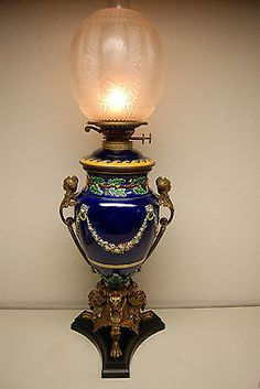 ANTIQUE KEROSENE OIL GWTW MAJOLICA PORCELAIN FRENCH NOUVEAU BRONZE ENGLISH LAMP