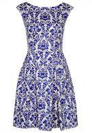 http://www.fashionandfriends.com/de/damen/bekleidung/kleider/blusenkleider/169436-closet-freizeitkleid-blue-und-white
