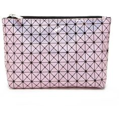 Forever21 Metallic Geo Print Makeup Bag (21 BRL) ❤ liked on Polyvore featuring beauty products, beauty accessories, bags & cases, toiletry bag, purse makeup bag, wash bag, make up bag and forever 21 makeup bag
