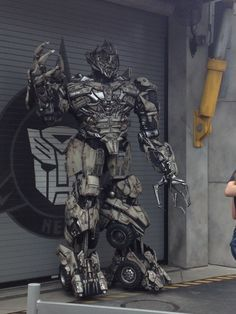 Universal Studios Orlando: Megatron! (Photo by B.B.)