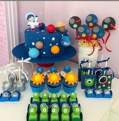 Happy Birthday B, Baby Boy 1st Birthday, Rocket Birthday Parties, Birthday Party Themes, Birthday Ideas, Astronaut Party, Outer Space Party, Anniversaire Harry Potter, Kids Party Decorations