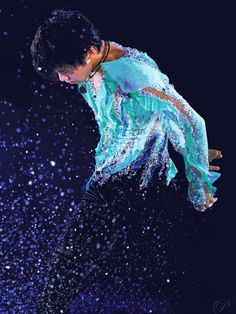 Yuzuru Hanyu Wallpapers — Thank you, anon, I hope you have a great. Ice Pictures, Pretty Pictures, Yuzuru Hanyu, Skate Boy, Costumes Pictures, Ice Skaters, Olympic Champion, Golden Child, Cute Baby Animals