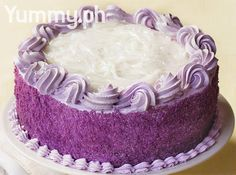 moist, sweet (oil) ube flavored cake starts with a basic ube base, then sweetened macapuno strips in the filling and topping; frost with a ube flavored whipped cream Ube Roll Cake Recipe, Ube Macapuno Cake Recipe, Ube Chiffon Cake Recipe, Filipino Desserts, Asian Desserts, Filipino Recipes, Filipino Food, Pinoy Dessert, Filipino Dishes