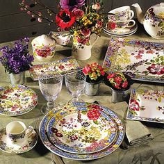 Gien France Millefleurs...in my next life I will own a whole set of Gien porcelaine dishes!  Pattern: Cachemire (Kashmir)