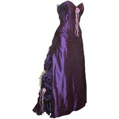 Preowned Vicky Tiel Purple Silk Taffeta Strapless Gown W/ Floral... (5.635 BRL) ❤ liked on Polyvore featuring dresses, gowns, purple, evening gowns, floral ball gown, purple dresses, purple gown, strapless corset and purple evening dresses