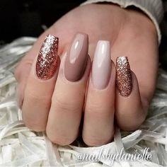 50 creative styles for nude nails you will love Nails - acrylic nails - coffin nails - natural Rose Gold Nails, Pink Nails, Gel Nails, Nail Polish, Glittery Nails, Rose Gold Nail Design, Dark Nude Nails, Gold Glitter, Nude Nails With Glitter