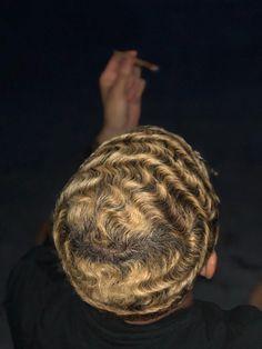 Waves Hairstyle Men, Waves Haircut, Baddie Hairstyles, Short Curly Hair, Short Hair Cuts, Curly Hair Styles, Natural Hair Styles, 360 Waves Hair, Waves Curls