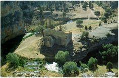 MONUMENTOS en medio de la nada o en pequeños pueblos   Curiosos Incompletos