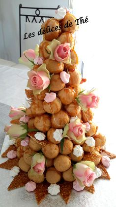 Pièce montée Baptême French Wedding Cakes, Wedding Cake Images, French Cake, French Food, Chic Wedding, Luxury Wedding, Wedding Cake Inspiration, Cupcakes, Yule