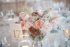 #Centerpiece | Such soft romantic colors | Photography: Julia Jane Studios