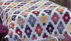 Floral Hexagonal Bedspread Crochet pattern mini motifs join as you go Hexagon Crochet Pattern, Hexagon Patchwork, Hexagon Quilt, Afghan Crochet Patterns, Crochet Squares, Crochet Motif, Crochet Afgans, Crochet Quilt, Tunisian Crochet