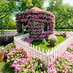 Discover tons of garden design secrets at the Dallas Arboretum. Dream Garden, Garden Art, Garden Design, Beautiful Gardens, Beautiful Flowers, Jardin Decor, Dallas Arboretum, Garden Pictures, Garden Trellis