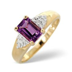 Diamond Essentials 0.95 Ct Amethyst and 0.06 Ct Diamond Ring in 9 Carat Yellow Gold 0.95 Ct Amethyst and 0.06 Ct Diamond Ring in 9 Carat Yellow Gold http://www.comparestoreprices.co.uk/other-products/diamond-essentials-0-95-ct-amethyst-and-0-06-ct-diamond-ring-in-9-carat-yellow-gold.asp