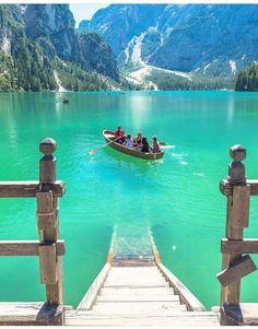 Lago di Braies, Bolzano, Itália  Adventure | #MichaelLouis - www.MichaelLouis.com