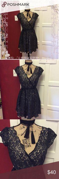 🦉🍁👗pretty lace dress 👗🍁🦉 So pretty in excellent lightly used condition Elle Dresses Mini