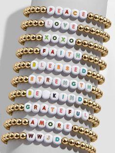 Diy Bracelets Patterns, Jewelry Patterns, Bracelet Designs, Handmade Bracelets, Handmade Jewelry, Jewelry Ideas, Letter Bead Bracelets, Diy Bracelets With Beads, Word Bracelets