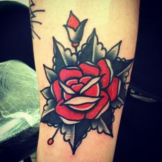 Super Traditional Rose on our shop apprentice Artchie RT tattoo by @dan_crowe at hammersmith tattoo!!!