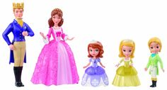 Sofia the First Royal Family Play Set Only $12.50! - http://couponingforfreebies.com/sofia-first-royal-family-play-set-12-50/
