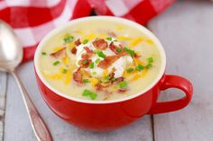 Microwave Loaded Baked Potato Soup In A Mug; Imagine a baked potato with all the trimming: bacon, cheese, sour cream. Microwave Mug Recipes, Potatoes In Microwave, Microwave Meals, Baked Potatoes, Cheesy Potatoes, Mug Dinner, Soup Recipes, Cooking Recipes, Skillet Recipes