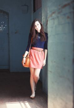 simple colorblocking season colors with laid back hair and a simple bag is easy enough