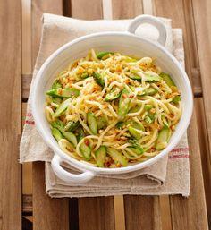 Pici con asparagi alla toscana