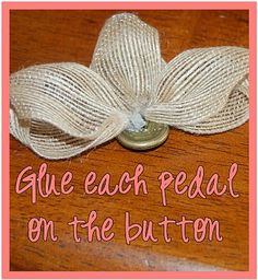That's So Cuegly: Craft Concoction Friday! {Burlap-ish} Burlap Crafts, Burlap Ornaments, Burlap Projects, Fabric Crafts, Sewing Projects, Sewing Crafts, Burlap Lace, Hessian, Burlap Roses