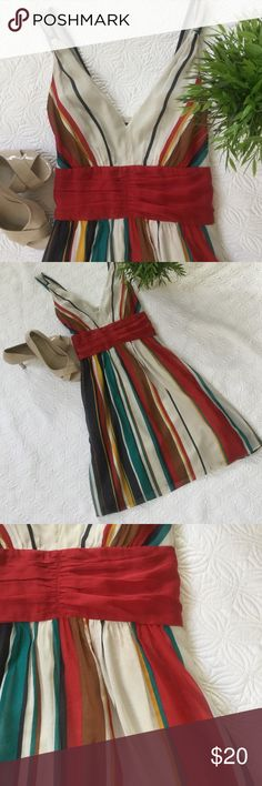 The Limited striped sundress Made from a combination of silk and cotton (yet still washable), this colorful sundress is fully lined. Size 6. The perfect dress for many summer events! The Limited Dresses Midi