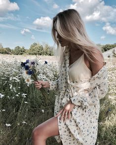 Image in fashion collection by farida on We Heart It Summer Outfits, Cute Outfits, Summer Dresses, Street Style, Mode Inspiration, Summer Looks, Spring Summer Fashion, Fashion Outfits, Fashion Women