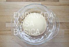 Mása básica de empanada. (Consultar receta en la web). http://nomastuppersdemama.com/blog/2012/04/30/masa-basica-de-empanada/
