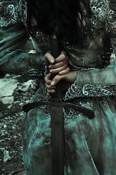 Find images and videos about woman, fantasy and warrior on We Heart It - the app to get lost in what you love. Dark Green Aesthetic, Queen Aesthetic, Princess Aesthetic, Book Aesthetic, Character Aesthetic, Athena Aesthetic, Character Concept, Fantasy Magic, Fantasy World
