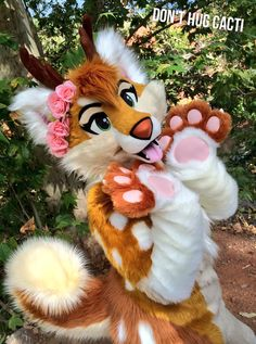 """fursuitpursuits: """"RT @Kaptain_Kelly: #FursuitMakerAppreciationDay shoutout to my friends @BlondeFoxy & @skuffcoyote for creating 2 amazing suits for me https://t.co/DxpR1A7GNs (Source) """""""