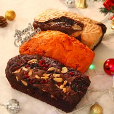 Send Special for Christmas Plum Cake Combo Online with same day delivery in Ahmedabad from SendGifts Ahmedabad. Order Special for Christmas Plum Cake Combo online and express your best feeling to your Special Person. Merry Christmas, Christmas Gifts, Plum Cake, Carrot Cake, Cheesesteak, Carrots, Beef, Ethnic Recipes, Desserts
