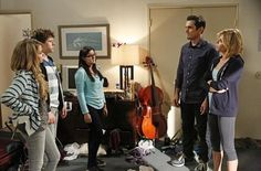 Watch Online Modern Family: Won't You Be Our Neighbor (S06E05) Watch full episode on my blog.