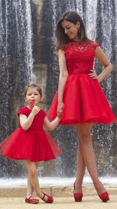 Would you like wear this lovely red lace short prom dress with your little angel?  www.27dress.com