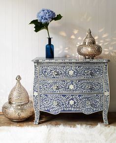 Another Arabic / maroccan drawer. Blue and whites