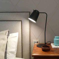 Nos encantan las líneas de esta lámpara de sobremesa DODO. Aromas. Comprar online.
