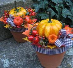 Podzimní dvojčátka Harvest Decorations, Seasonal Decor, Halloween Decorations, Fall Decor, Fall Crafts, Diy And Crafts, Crafts For Kids, Entrance Table, Deco Floral