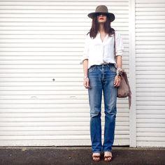 white shirt × 501xx☆ ガレージと棒立ちのわたくし。。笑 #levis#501xx#lamaisondelyllis#ラメゾンドリリス#fabiorusconi#ファビオルスコーニ#uniqlo#ユニクロ#プチプラコーデ#リネンシャツ#fashion#outfit#ootd#coodinate#simple#styling#whiteshirt#denim#hat