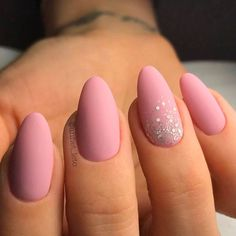 Stunning Designs for Almond Nails You Won't Resist; almond nails long or s… Stunning Designs for Almond Nails You Won't Resist; almond nails long or short; Light Pink Nail Designs, Light Pink Nails, Pink Sparkle Nails, Pink Oval Nails, Pink Acrylic Nail Designs, Nail Pink, Almond Acrylic Nails, Almond Shape Nails, Almond Nails Pink