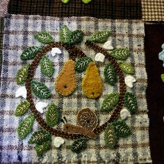 WOOL APPLIQUE..................PC.....................susis quilts: the wool quilt :row five