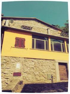Maison à vendre: Toscane: FIVIZZANO (MS) Toscane Gate, Garage Doors, Outdoor Decor, Home Decor, House 2, Carrara, Bedrooms, Decoration Home, Portal