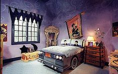Harry Potter bedroom ... you gotta see all the rooms in this article! AMAZING  [33 Dream Bedrooms for Kids]